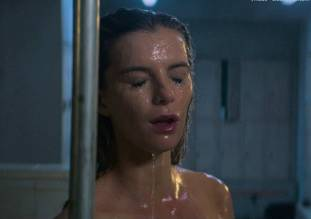 betty gilpin nude in shower on glow 8975 8
