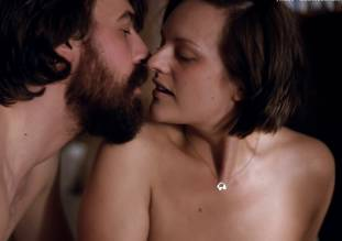 elisabeth moss topless in top of lake sex scene 0011 1