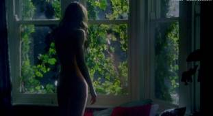 emily blunt nude with natalie press in my summer of love 6622 15