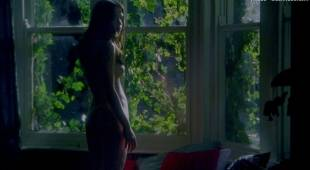 emily blunt nude with natalie press in my summer of love 6622 16