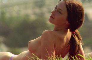 emily blunt topless in my summer of love 0403 9
