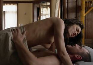 emmy rossum topless in shameless sex scene 0014 2