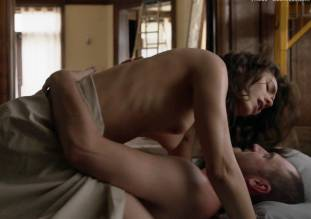 emmy rossum topless in shameless sex scene 0014 3