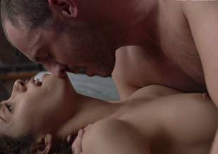emmy rossum topless in shameless sex scene 0014 9