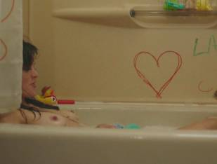 frankie shaw topless in tub in smilf 1570 3