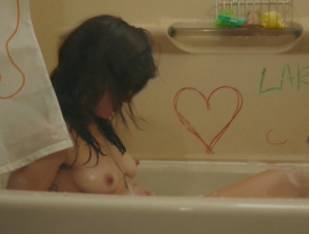 frankie shaw topless in tub in smilf 1570 6
