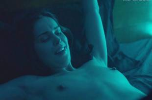 heida reed nude receiving oral in stella blomkvist 9730 22