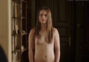 hera hilmar topless in an ordinary man 6935 15
