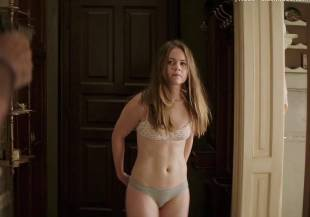 hera hilmar topless in an ordinary man 6935 3
