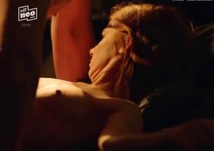 josefine preuss nude top to bottom in nix festes 6446 11
