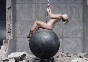 miley cyrus nude in leaked uncensored wrecking ball video 2010 38
