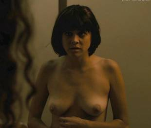 olivia luccardi kayla foster topless on the deuce 2547 9