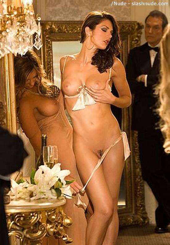 Skins uk girls nude