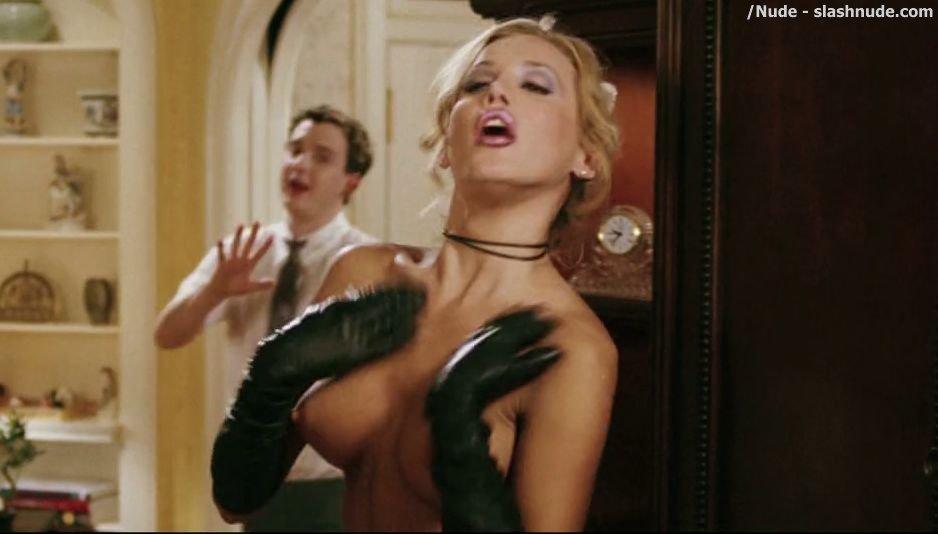 Amanda swisten nude, naked