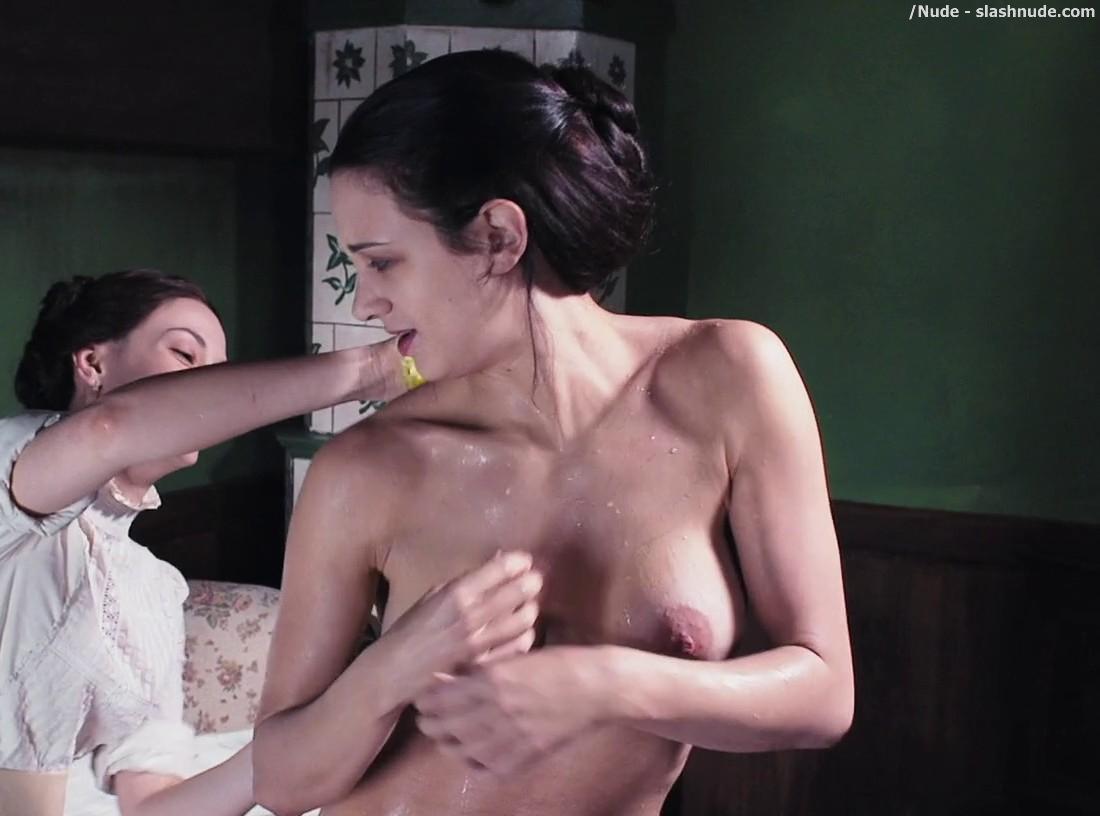 Manga wet and nude girls