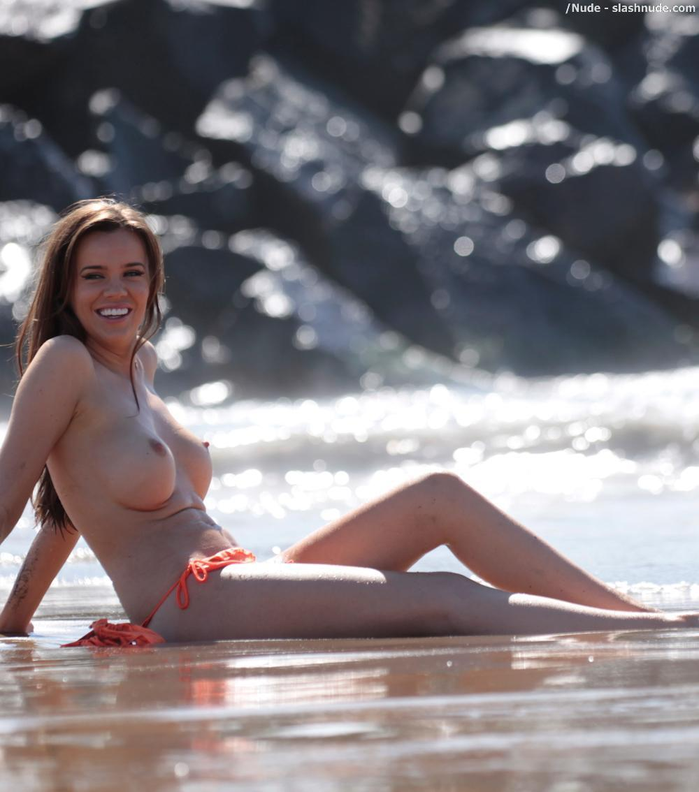 Marian milian topless — photo 1