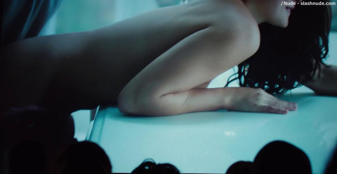 model-natalie-martinez-nude-photos-singapore-girl-paid-sex