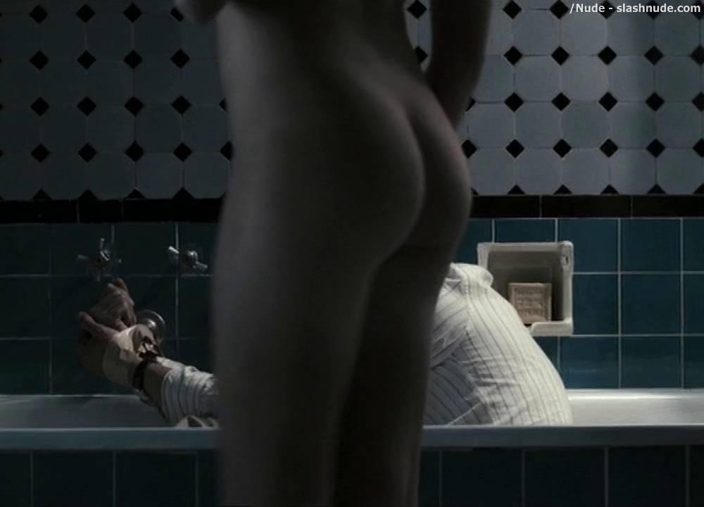 teresa-palmer-offers-naked-spy